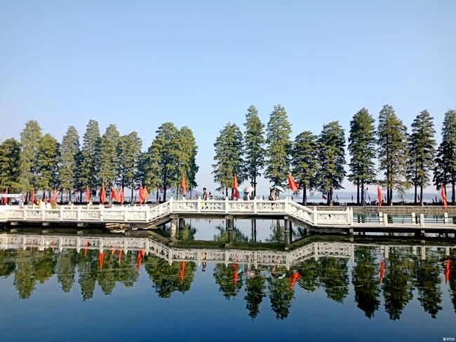 武汉东湖听涛风景区 图片来源:爱卡论坛精华
