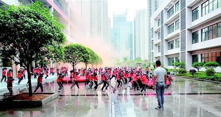 武汉中小学团结防震应急演练小学的作文作文开展图片