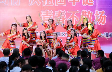 江夏区第二中学举办师生艺术节展校园风采高中美术面试教师资格图片